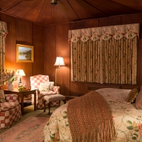 mainlodge-redwood-1
